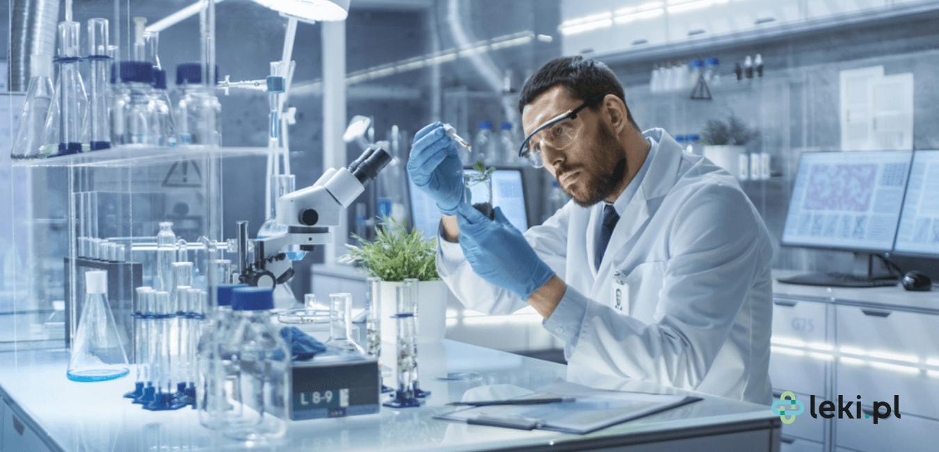 Powstanie nowego leku to długotrwały proces. Lek musi być przede wszystkim bezpieczny, dlatego jest poddawany szczegółowym badaniom. (fot. Shutterstock)