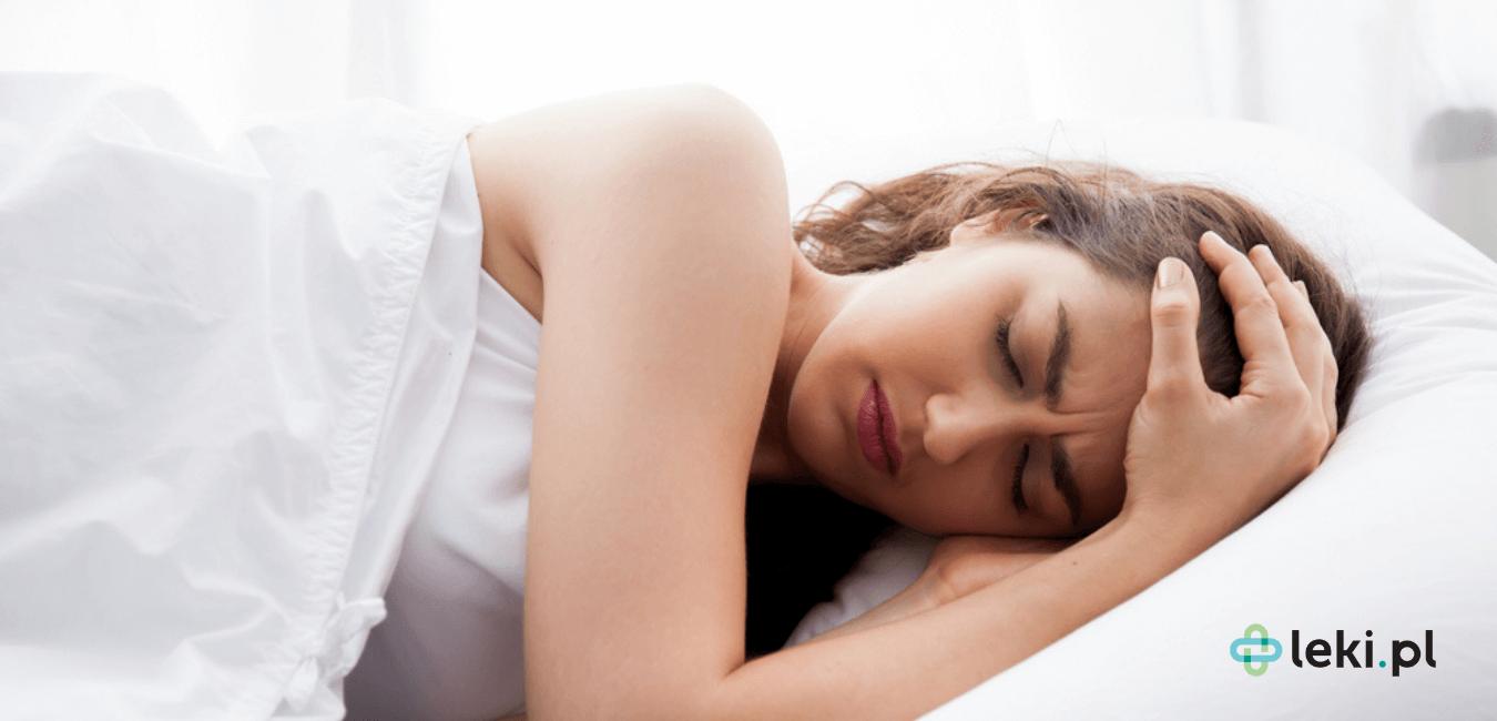 Migrena to problem, z którym zmaga się spory odsetek społeczeństwa. Jak skutecznie walczyć z dokuczliwym bólem migrenowym? (fot. Shutterstock)