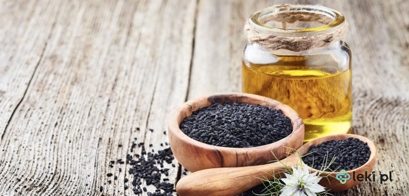 Czy olej z czarnuszki może pomóc wzmocnić odporność? W czym tkwi jego fenomen i czy warto go stosować? (fot. Shutterstock)