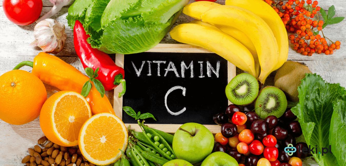 Witamina C to inaczej kwas askorbinowy. Organizm ludzki samodzielnie jej nie syntetyzuje, w związku z tym konieczna jest suplementacja. (fot. Shutterstock)