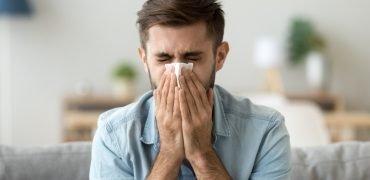 Azelastyna w postaci chlorowodorku w łagodzeniu objawów alergii